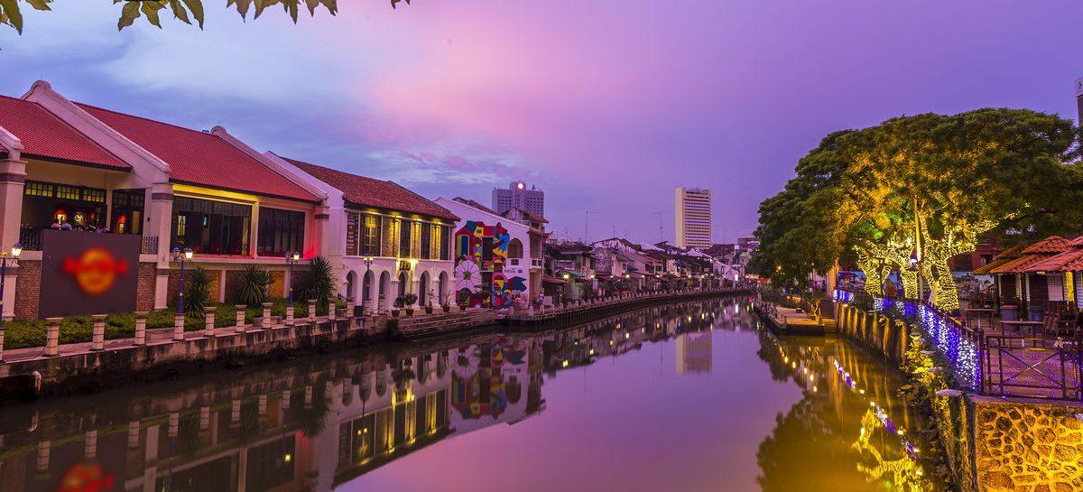 Why to hire car rental in Melaka?