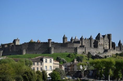 Trip through Pyrenean surroundings by train