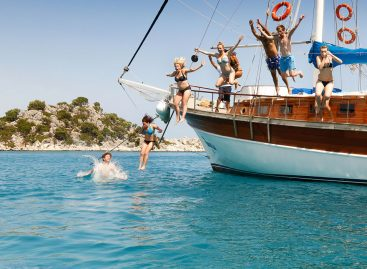 Go Sailing Tours and Experience the Fun!