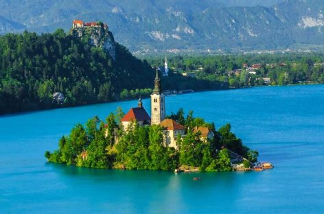 Church in Bled, a place to admire